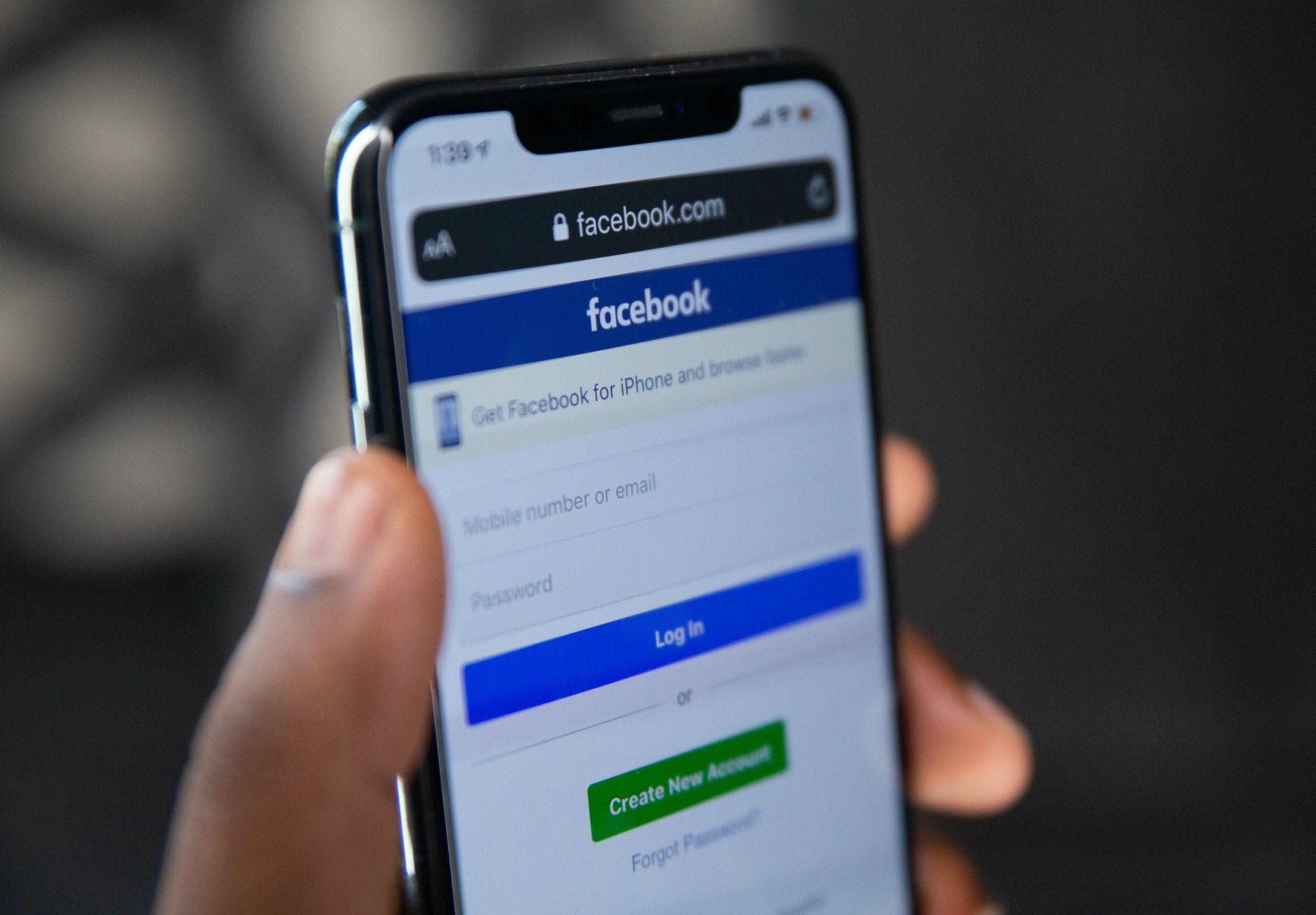 Facebook anunță o schimbare majoră. Ce decizie a luat Mark Zuckerberg în legătură cu aplicația Messenger