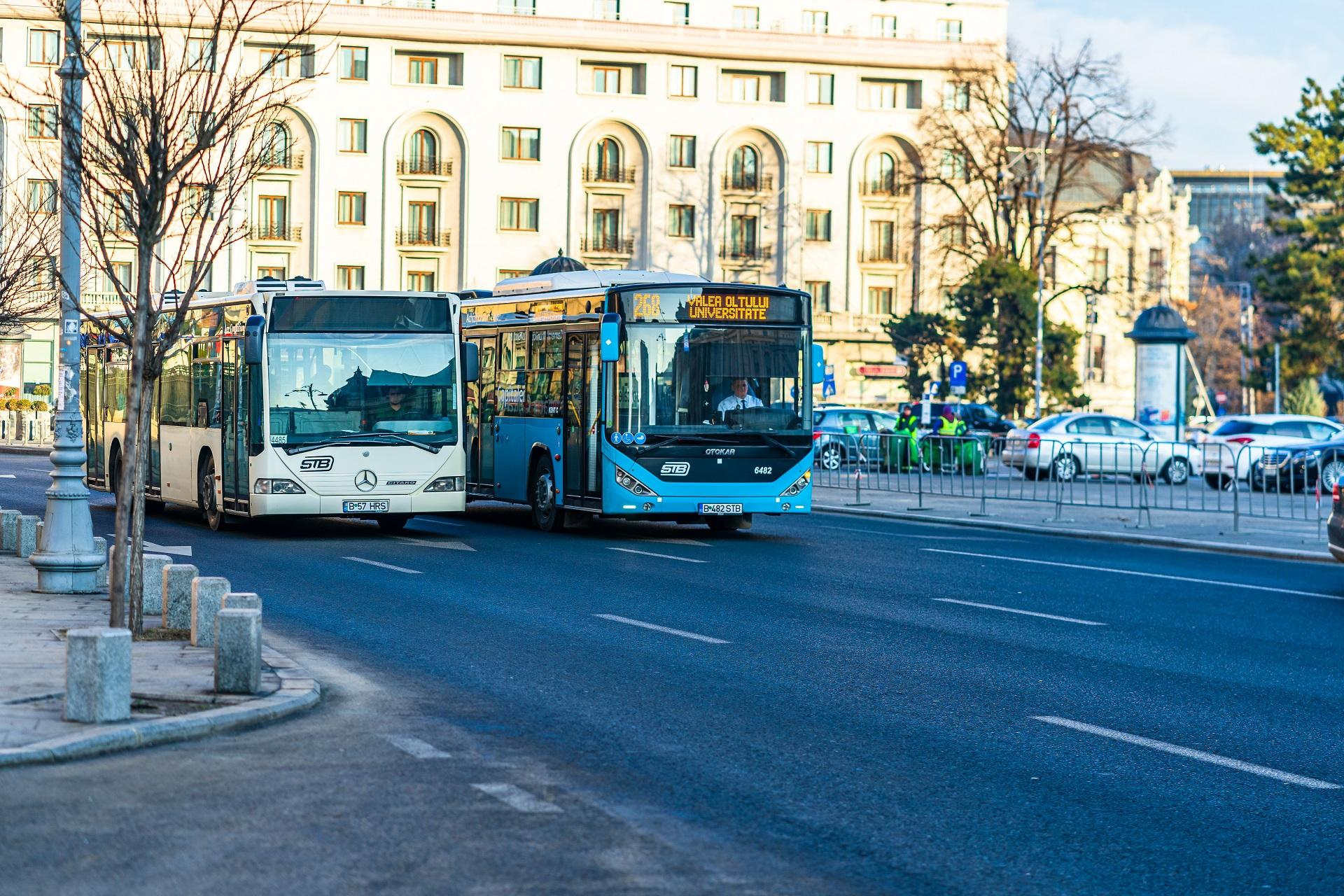 Atenție, bucureșteni. Traseele a două linii importante de autobuz din Capitală se schimbă. Care sunt noile rute