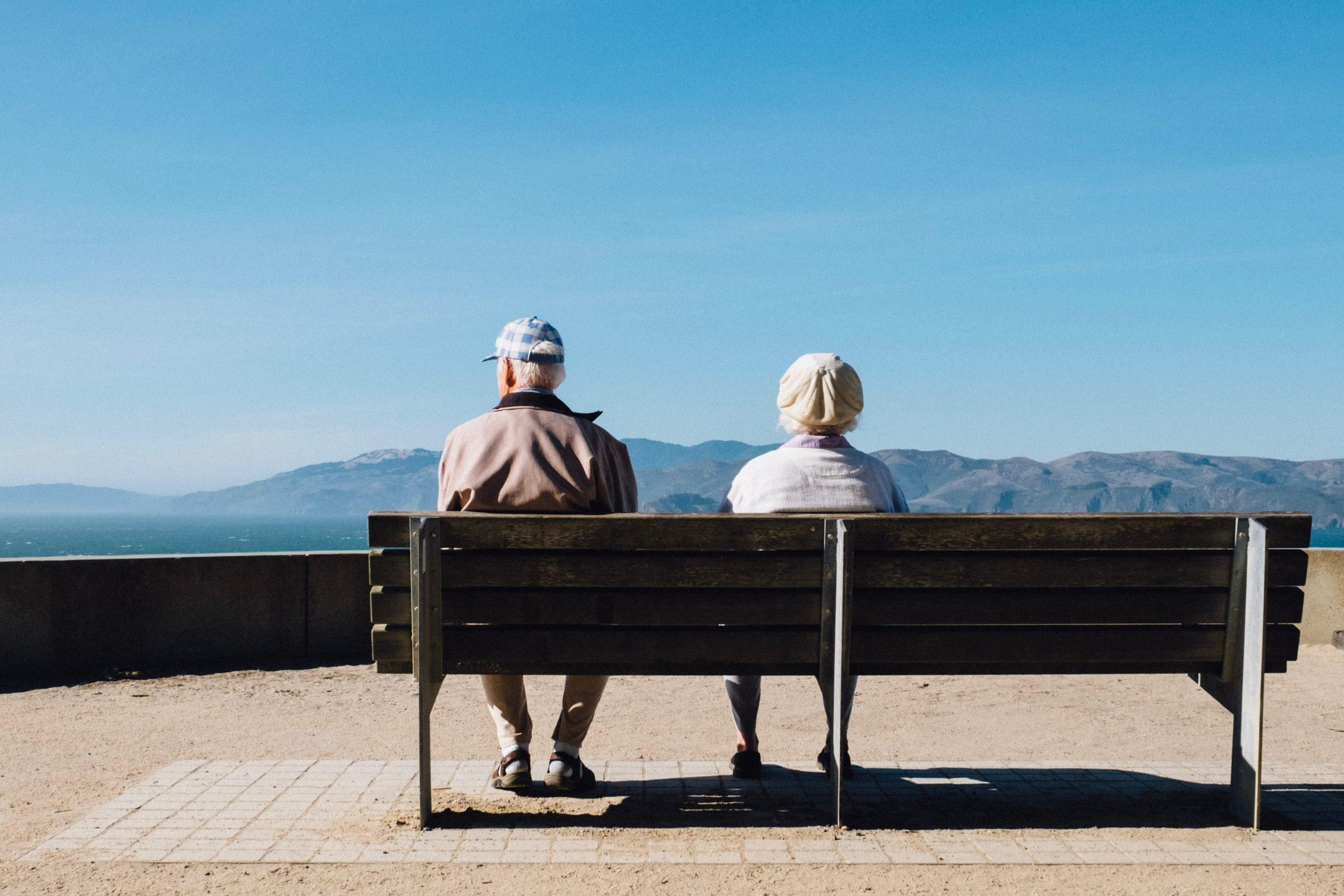 Ce se întâmplă cu vârsta de pensionare în România. Guvernul a modificat legea