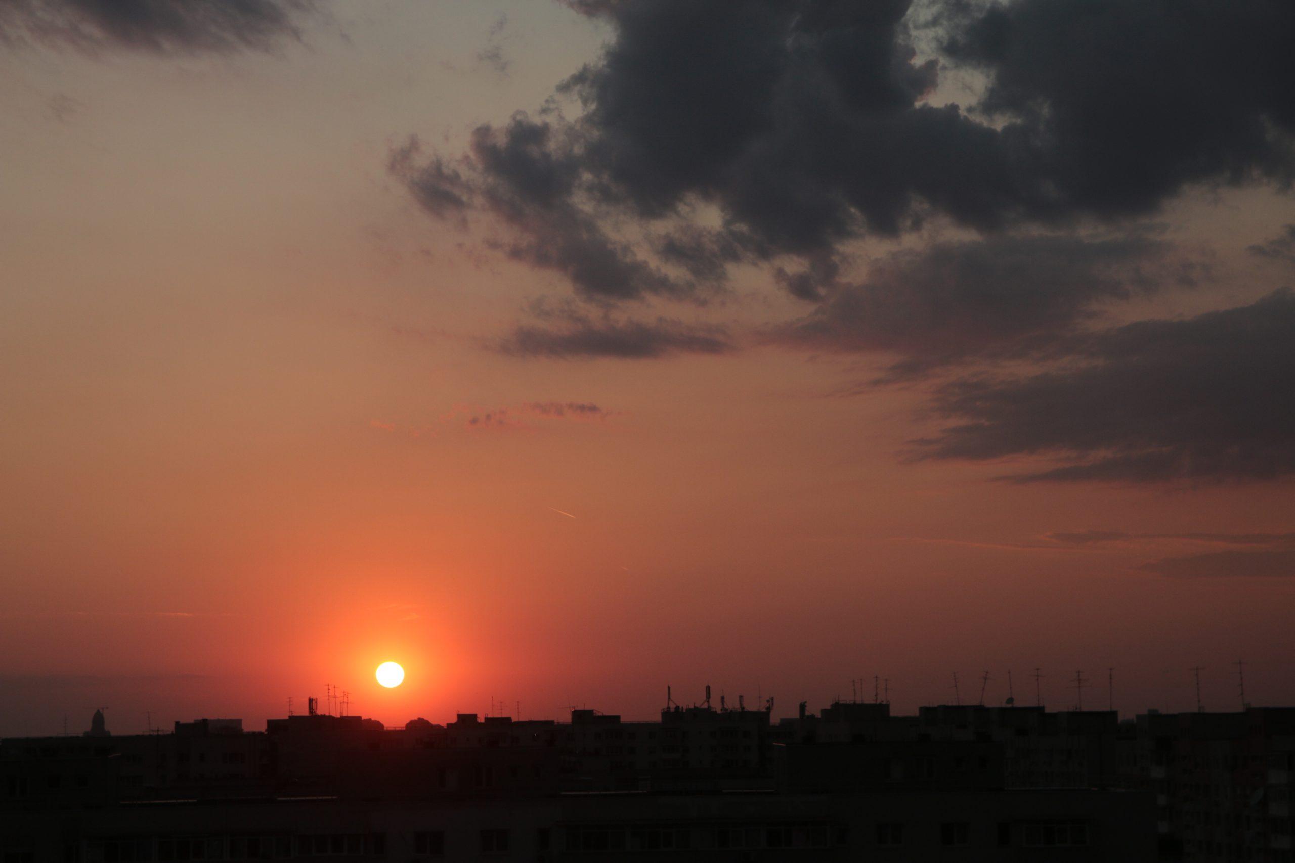 Prognoza meteo de weekend în București. Cum va fi vremea în Capitală sâmbătă și duminică