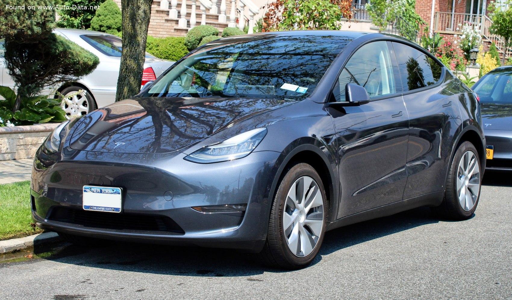Tesla aduce în București ultima apariție în luna septembrie. Noul Model Y se poate vedea într-un mall