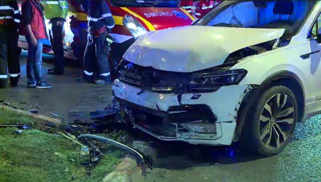 Accident grav în București joi dimineața. Cinci oameni au ajuns la spital după coliziunea a două mașini