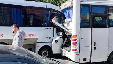 Photo of Accident în fața Gării Obor din București. Două microbuze s-au ciocnit după ce unuia dintre șoferi i s-a făcut rău la volan