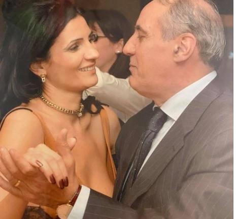A murit Horia Alexandrescu/ Ziaristul Horia Alexandrescu, alături de fiica sa, fotografie postată de Anca Alexandrescu