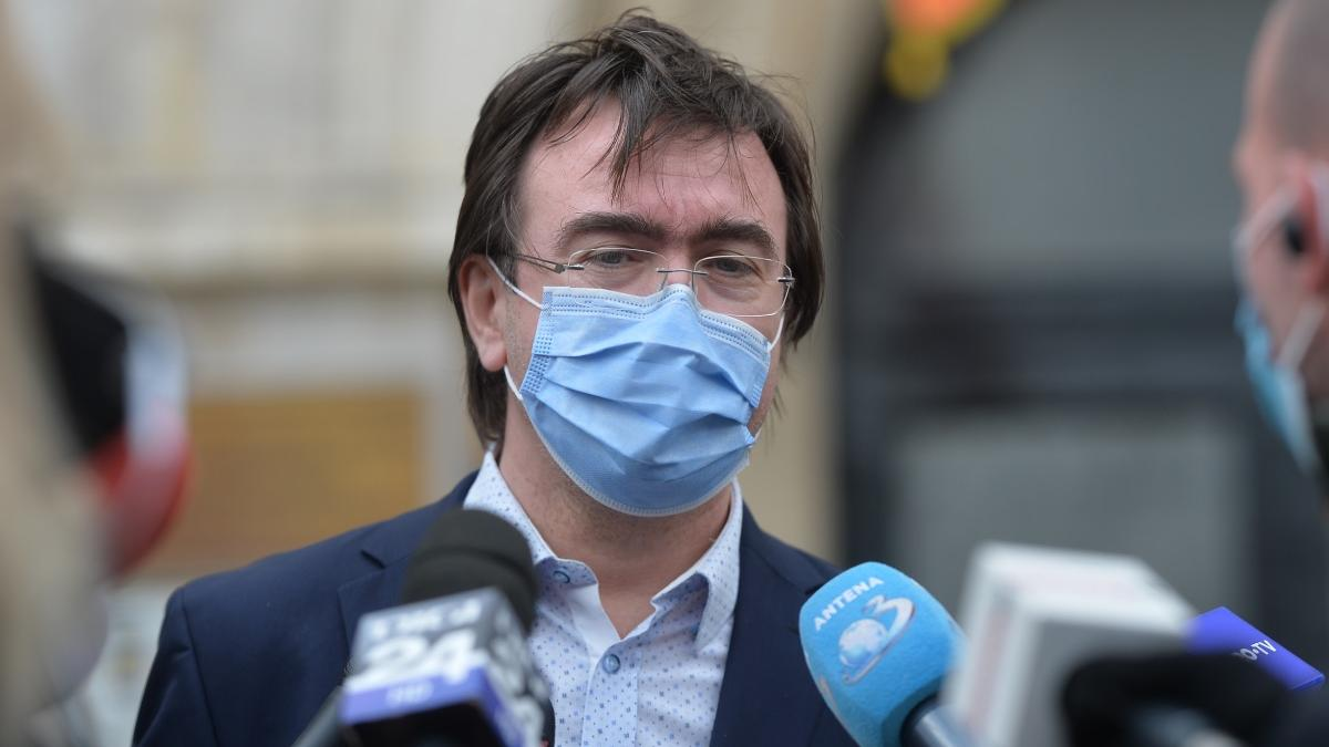 Revine masca obligatorie? Prefectul Capitalei, Alin Stoica, a declarat că astăzi se decide dacă va trebui să purtăm mască în apropierea școlilor