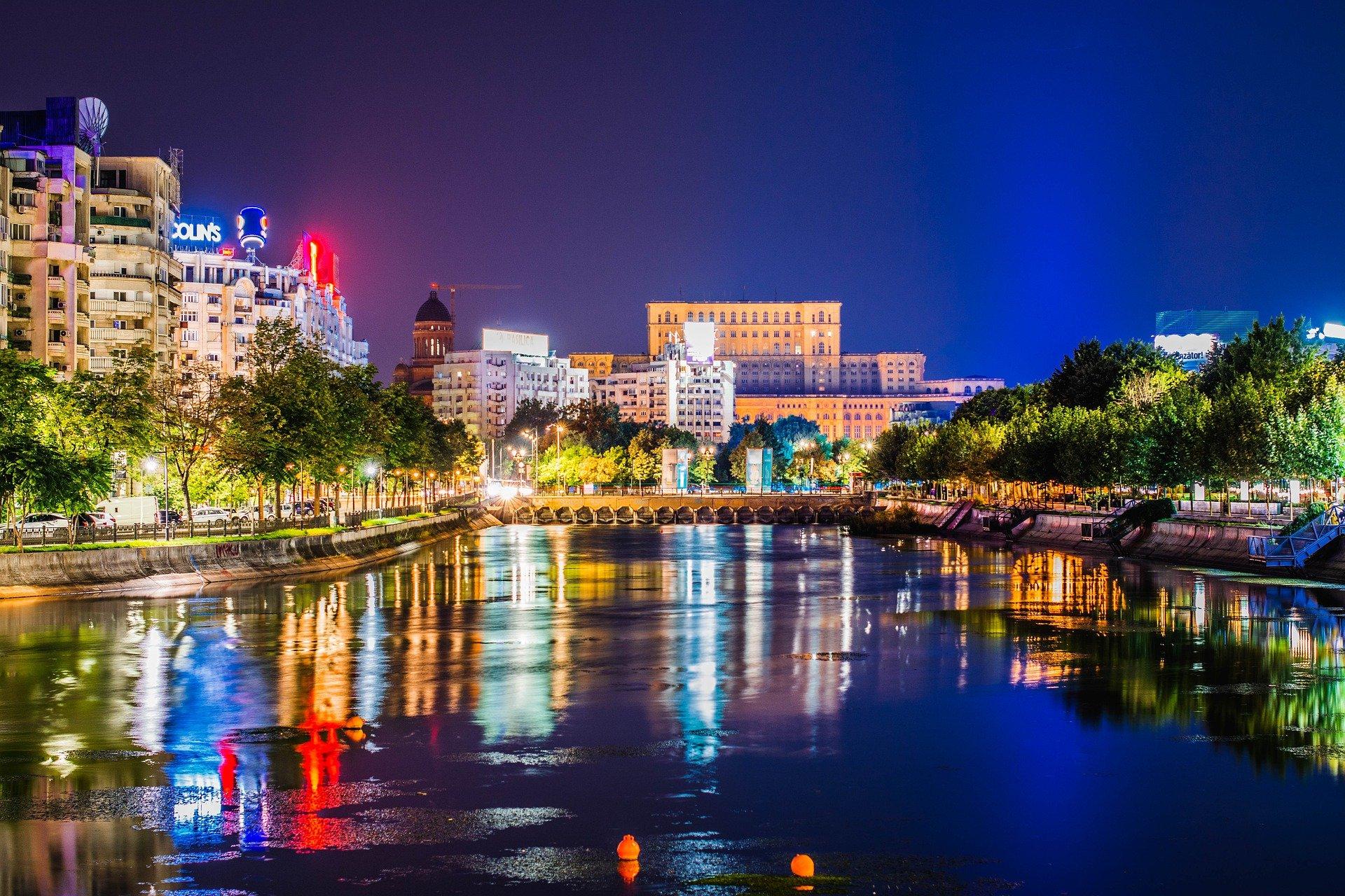 La mulți ani, București! La peste o jumătate de mileniu de la atestare, ziua Capitalei se sărbătorește luni, 20 septembrie, fără fast și voie bună