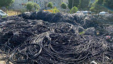 Photo of Continuă operațiunea #CerLiber în Sectorul 2. Câți kilometri de cabluri au fost dați jos până acum, potrivit lui Radu Mihaiu