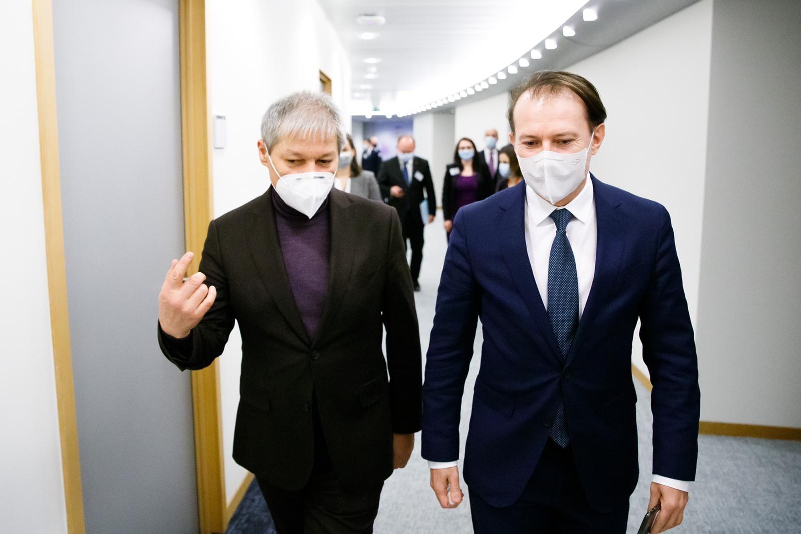 Scandalul din coaliția de guvernare continuă. Dacian Cioloș: Premierul Cîțu prezintă probleme imense de integritate