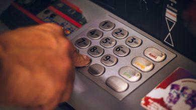 Photo of Ce se întâmplă dacă îți uiți banii în bancomat. Cum îți recuperezi suma pierdută