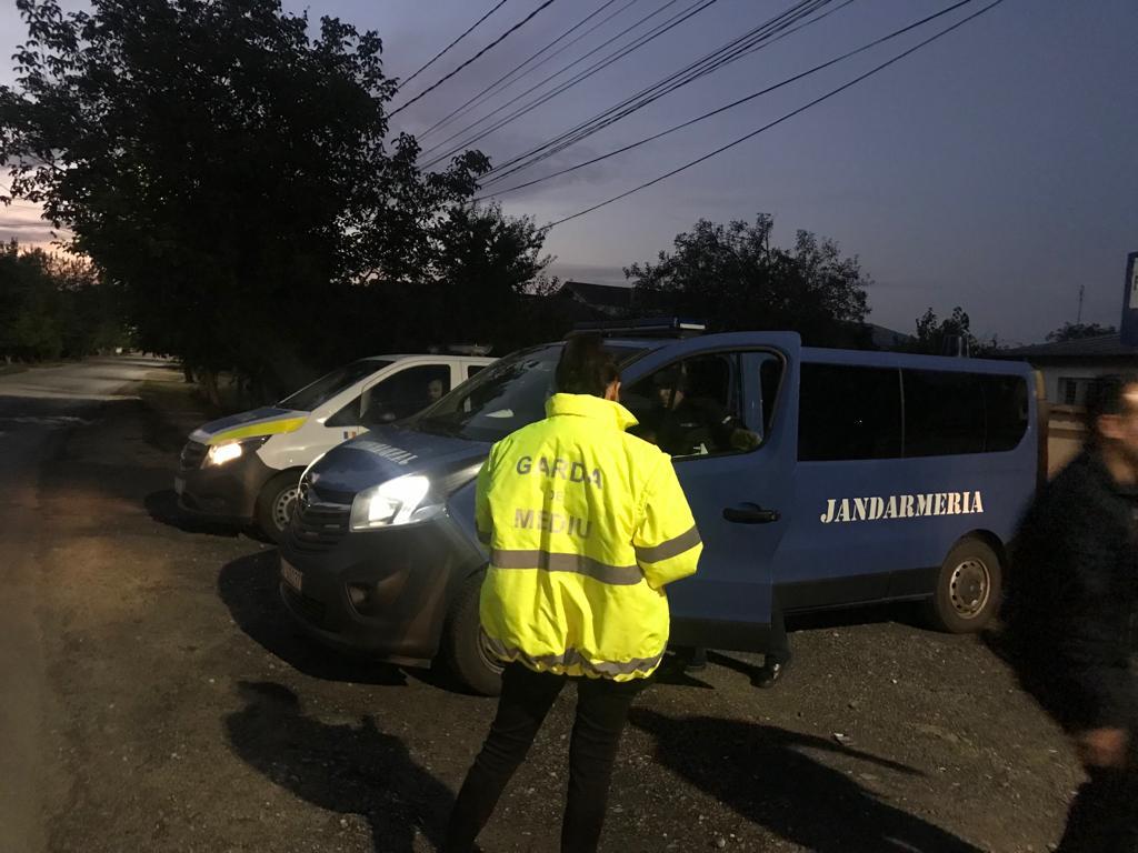 Garda de Mediu, Jandarmeria și Poliția continuă să patruleze periferia Bucureștiului. Aceștia doresc combaterea arderilor de deșeuri