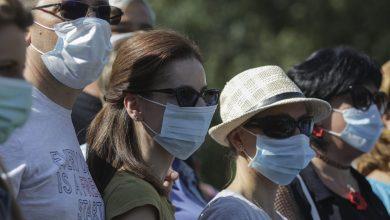 Photo of Prefectul Capitalei spune că masca de protecție ar putea să devină iar obligatorie pe stradă în București. Pentru început, doar în apropierea școlilor