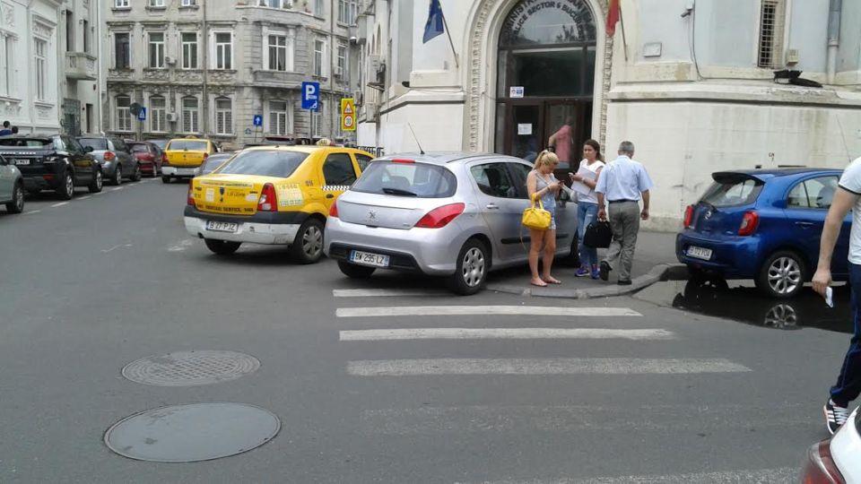 Apare un nou regulament de parcare în București. Nicușor Dan pregătește o adevărată revoluție în trafic: Cercul vicios în care noi ne învârtim de ani de zile