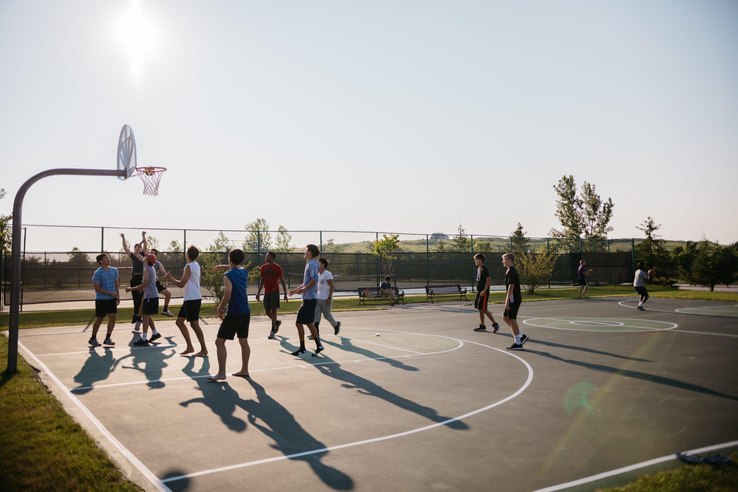Veste bună pentru locuitorii Sectorului 3. Aceștia vor putea să facă sport pe terenurile școlilor din sector începând cu 1 octombrie. Ce reguli trebuie să respecte