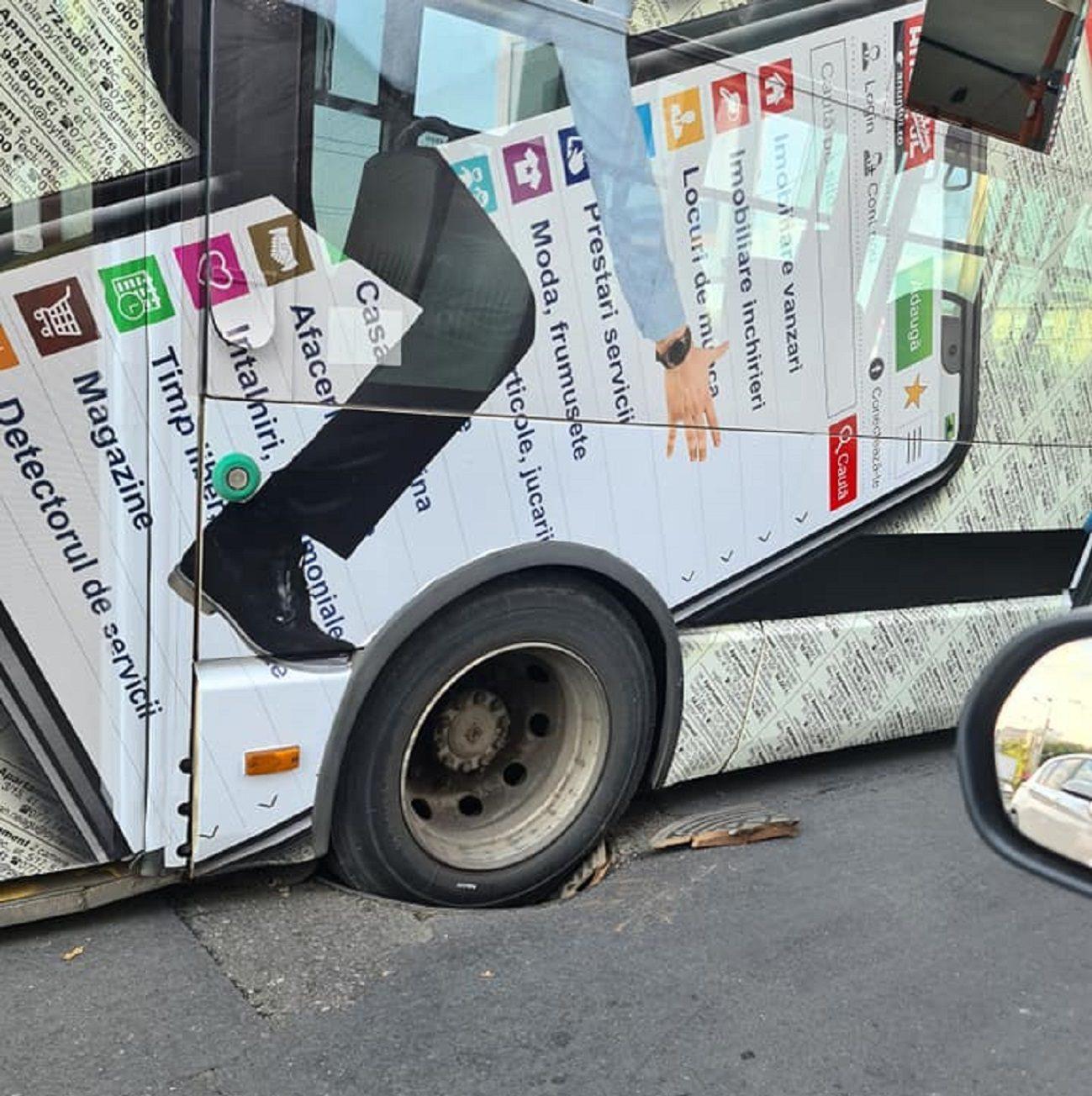 Haos în traficul din București. Un troleibuz a rămas blocat într-un canal