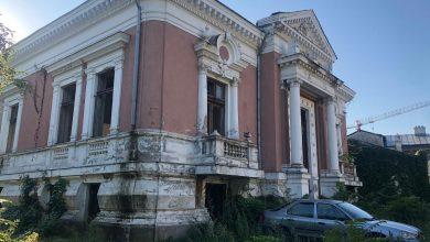 """Photo of Cinste nouă, vrednici suntem! Casa Primarului Dobrescu, """"Primarul Târnăcop"""", care-a făcut din București """"Micul Paris"""", a ajuns o ruină fără geamuri"""