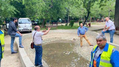 """Photo of Parcul """"Grădina Icoanei"""": alei impracticabile când plouă, apă murdară în fântână. Planul de reabilitare, discutat cu primarul"""