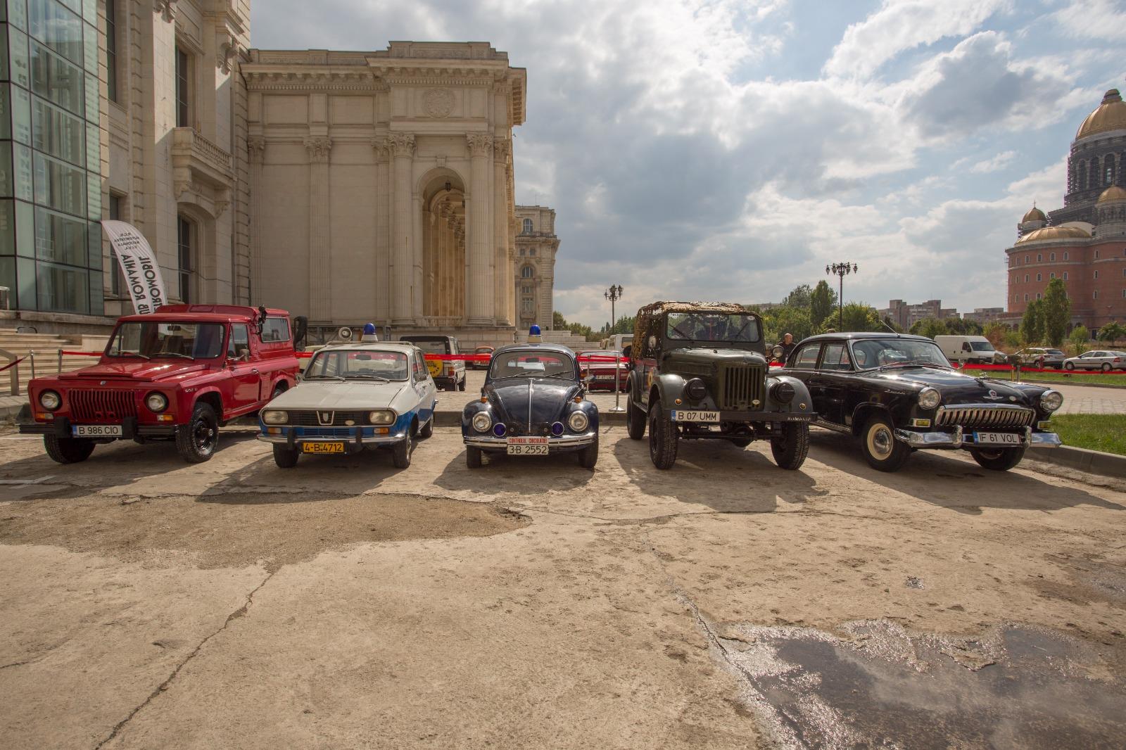 """Mașinile cu care aduceam mielul la București în comunism vă așteaptă la Casa Poporului, la MNAC. """"Socialistele orașului"""", senzație de weekend"""