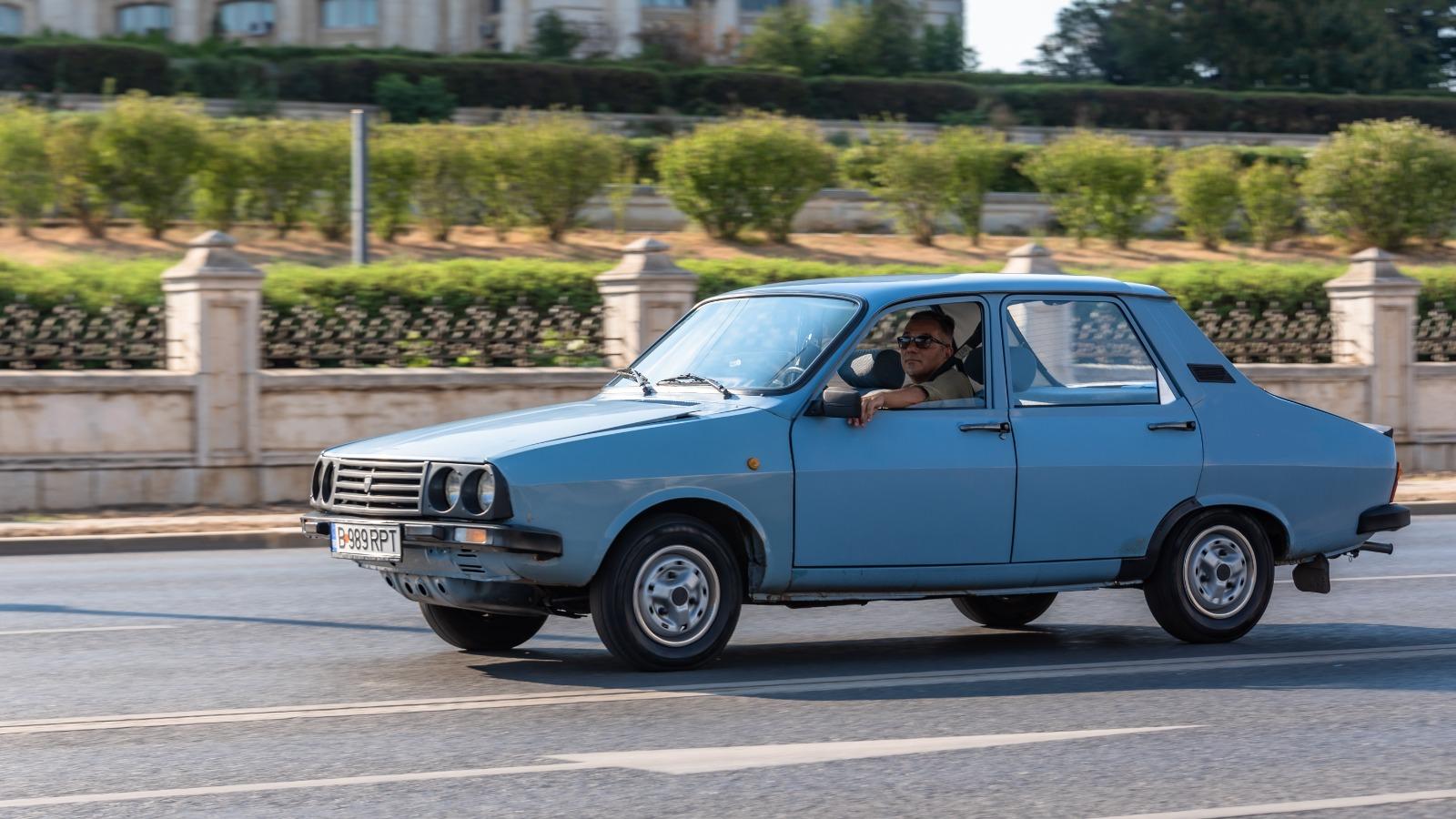 serban, cornaciu, retromobil club romania