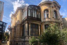 Photo of Abandonată mai bine de o sută de ani, minunata Casa Macca din București a început să fie consolidată și restaurată. Avea lift și încălzire centrală încă din 1911