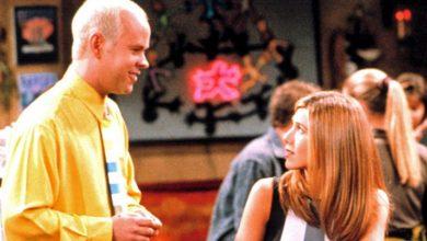 Photo of A murit Gunther din serialul Friends. Actorul James Michael Tyler avea 59 de ani