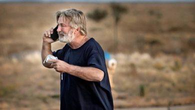 """Photo of """"Pistol rece"""", i-a strigat asistentul de regie lui Alec Baldwin înainte de a-i înmâna o armă cu gloanțe reale"""