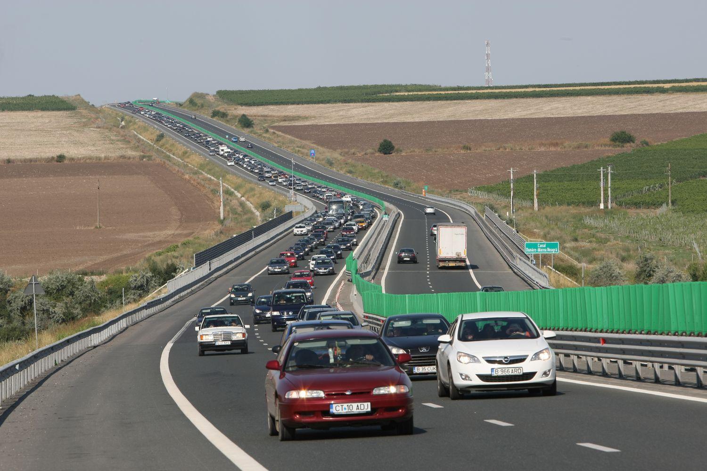 Accident în lanț pe Autostrada Soarelui. Coloană de mașini spre București după ce patru mașini s-au ciocnit