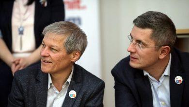 Photo of Nesomn în București la USR PLUS. S-a terminat maratonul alegerilor din partid. Cioloș președinte, Barna cu majoritate în Biroul Național
