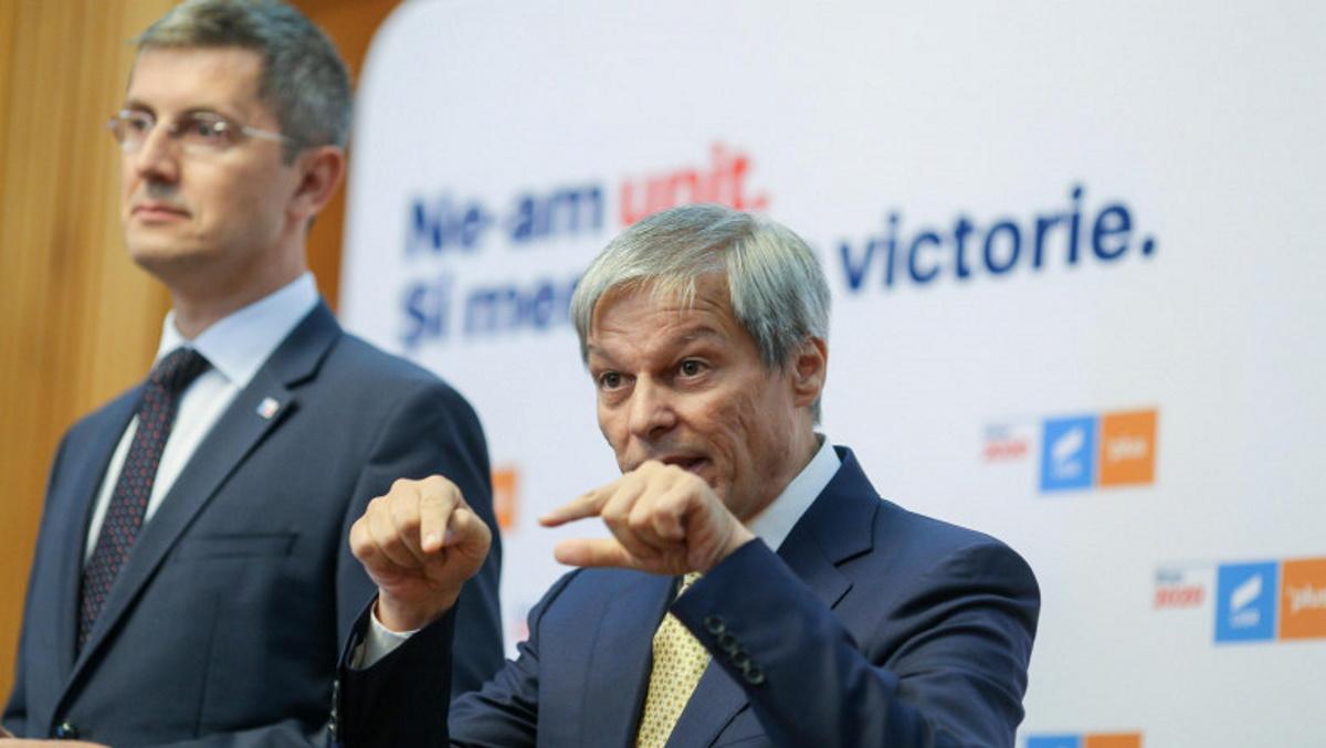 Dacian Cioloș este noul președinte al USR PLUS! L-a învins pe Dan Barna la mustață, la diferență mică de voturi
