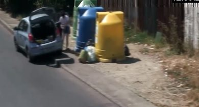 Photo of Oameni FILMAȚI când lăsau gunoiul pe stradă, lângă tomberoane. Înregistrări difuzate de primarul Clotilde Armand