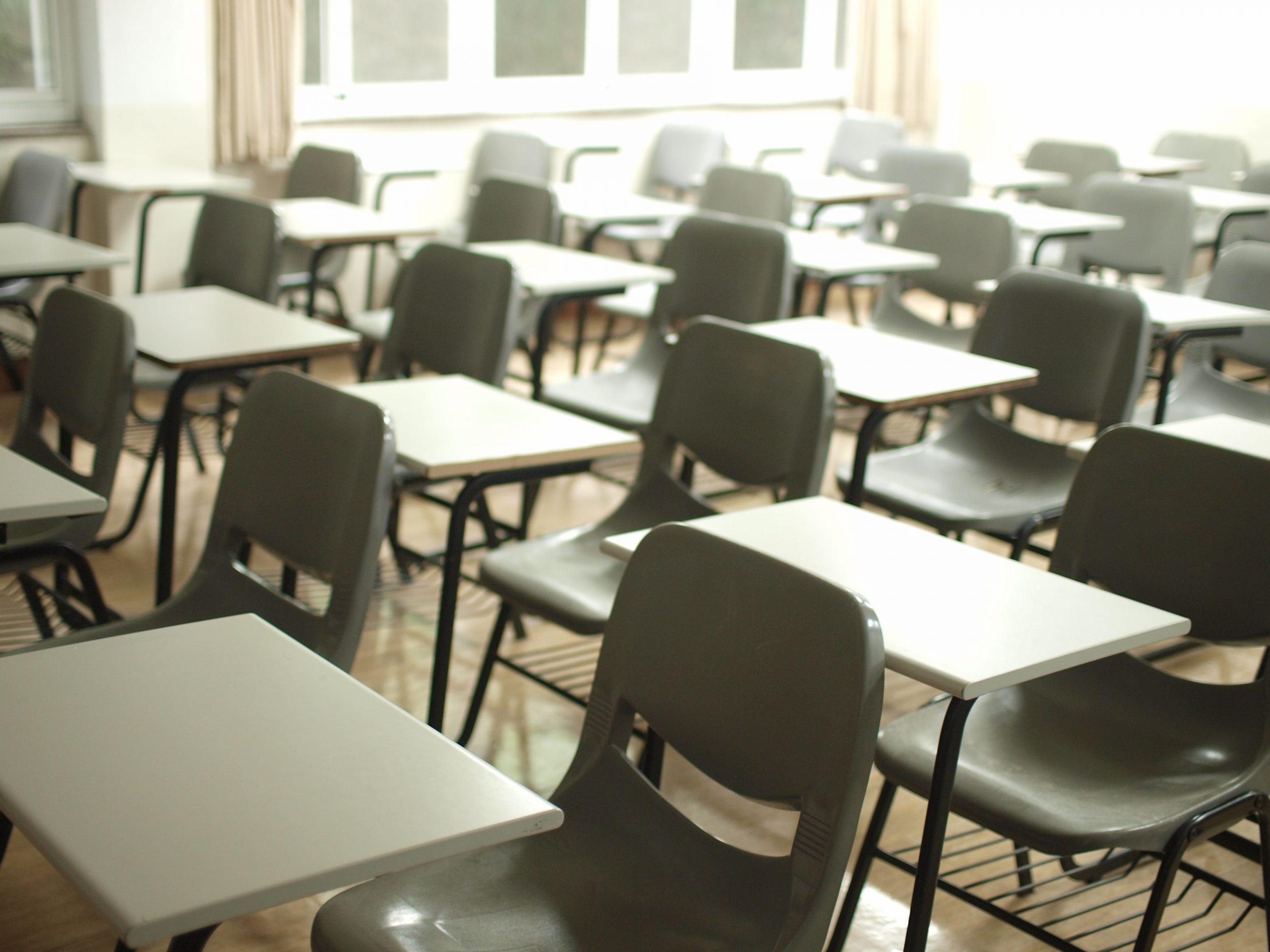 UPDATE Școli notificate să se închidă în Ilfov, județul cu cea mai mare incidență din România. Carantina a fost respinsă