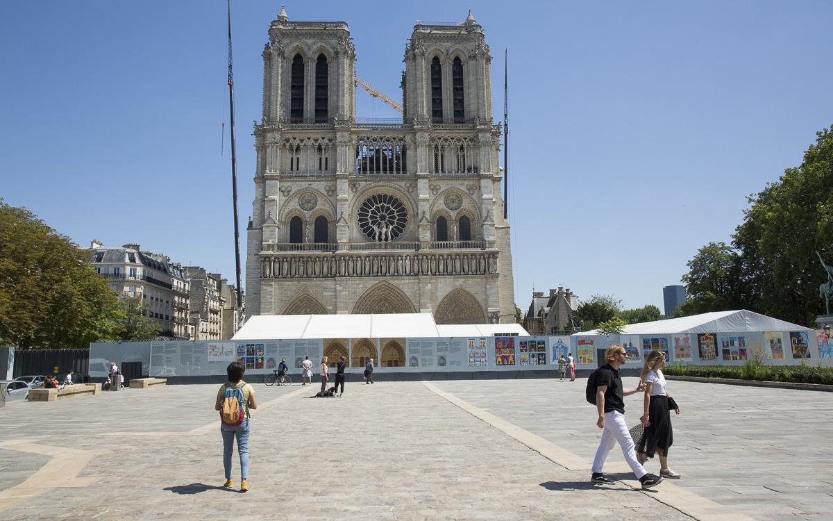 Paris, model de administrație. Consultare publică: zona din jurul Catedralei Notre-Dame, decisă de parisieni. Lucrările de restaurare avansează