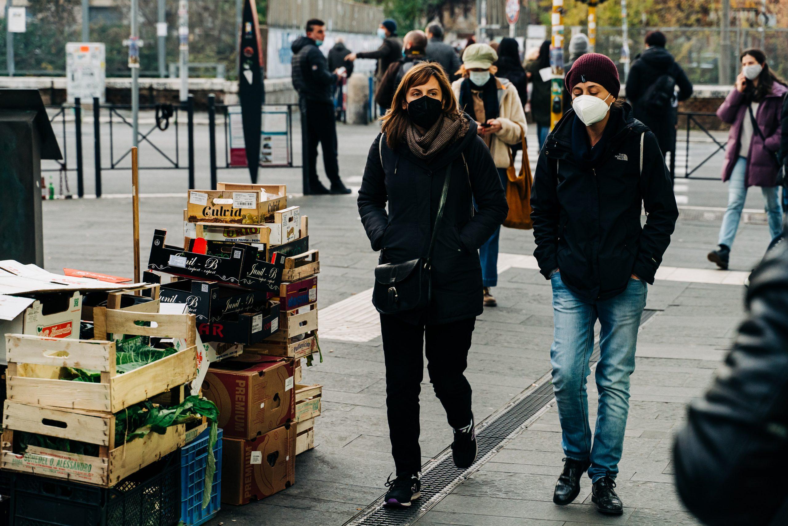 Rata de infectare din București. De zece ori mai mare decât era acum o lună