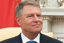 Photo of Oare de-asta nu mai stă Klaus Iohannis prea mult prin București? De necaz? Președintele s-a prăbușit în sondaje. Oamenii nu mai au încredere în el aproape deloc. Doar Cîțu stă mai prost