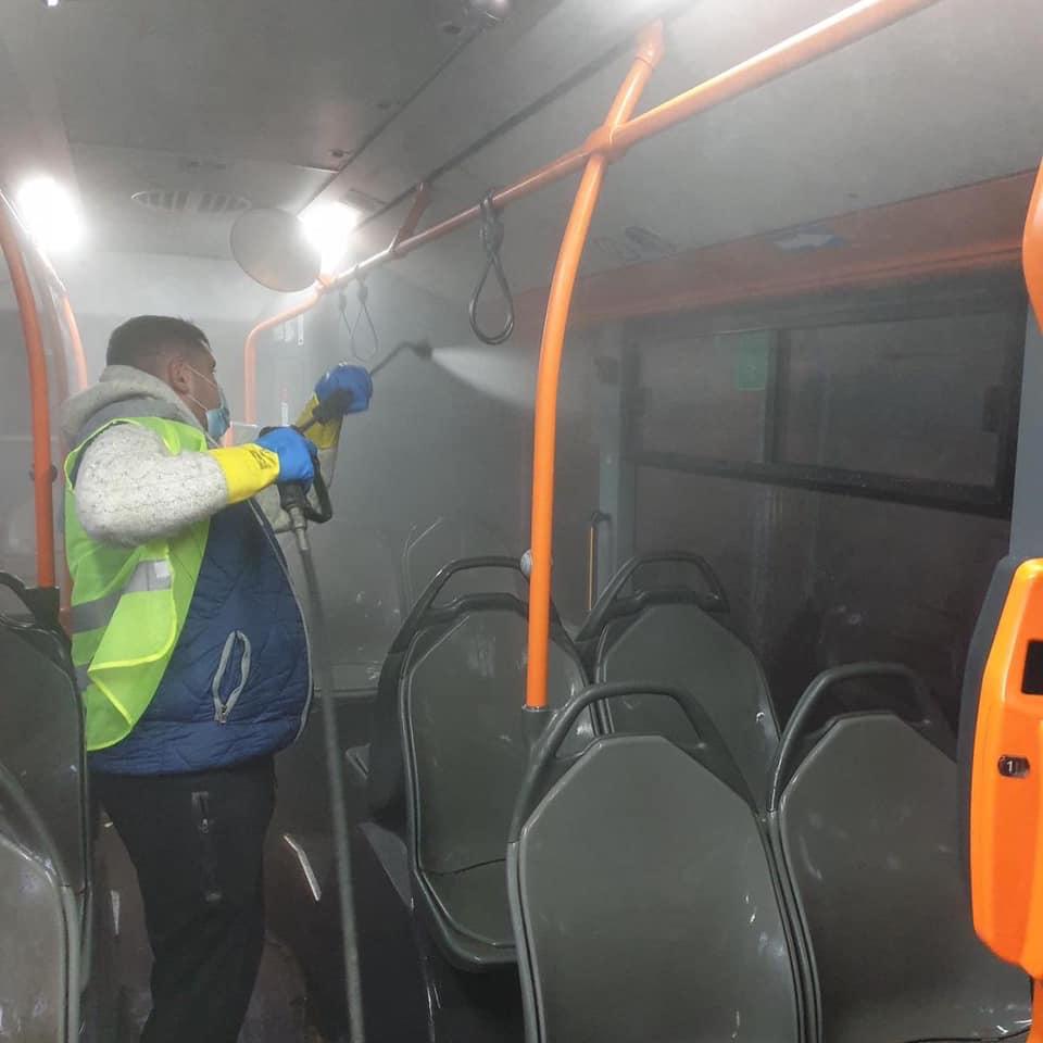 Autobuze, tramvaie și troleibuze, spălate zilnic începând de astăzi. Acțiune STB în Capitală